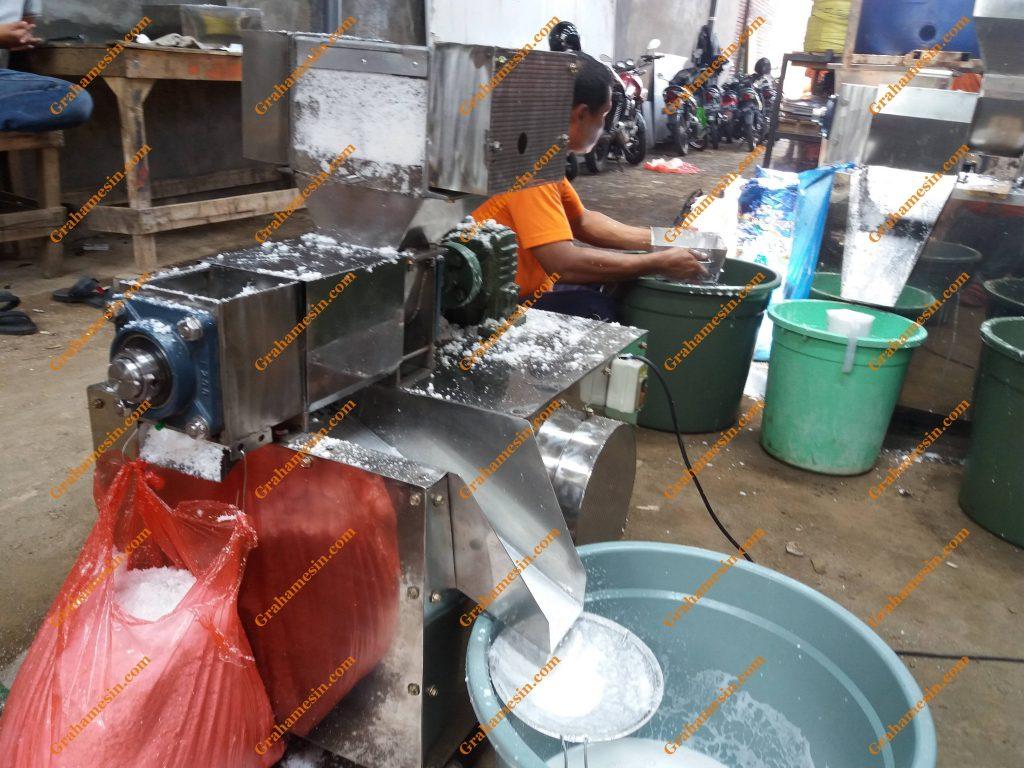 Mesin Pemarut dan Pemeras Kelapa