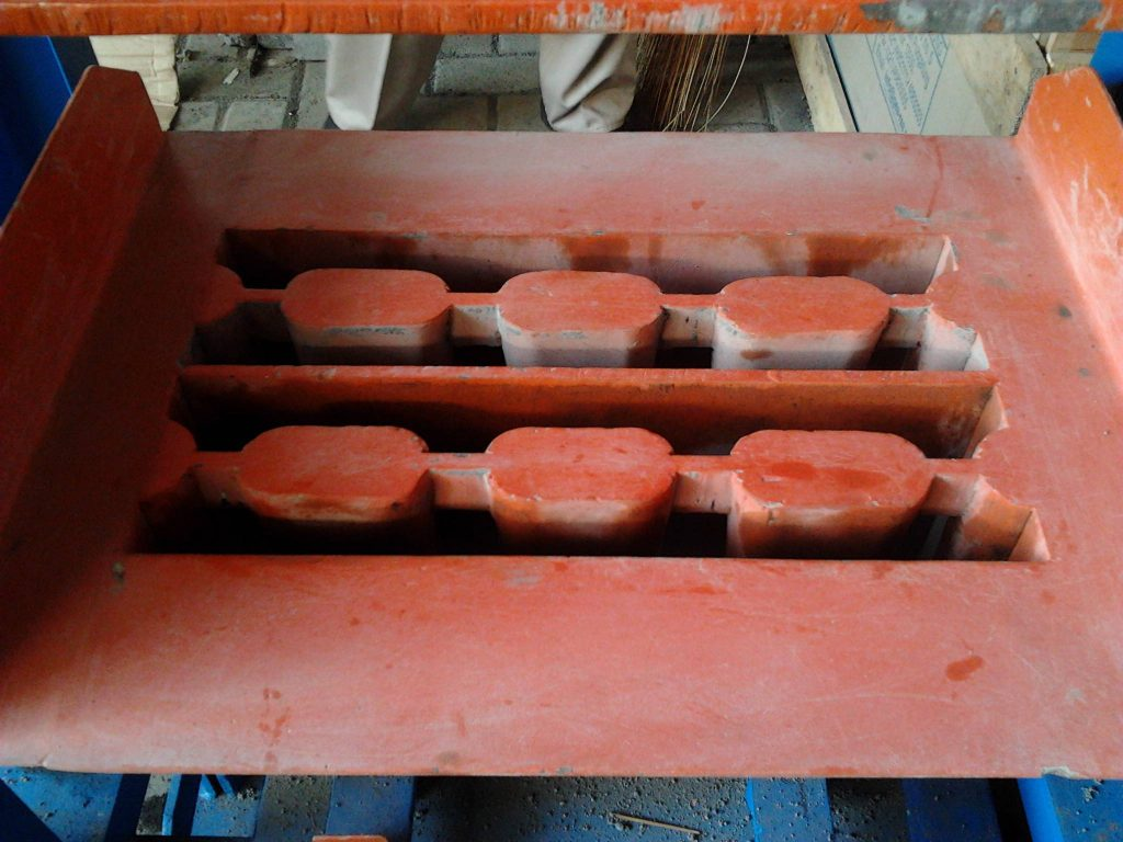 mesin cetak batako dan paving manual press Graha Mesin