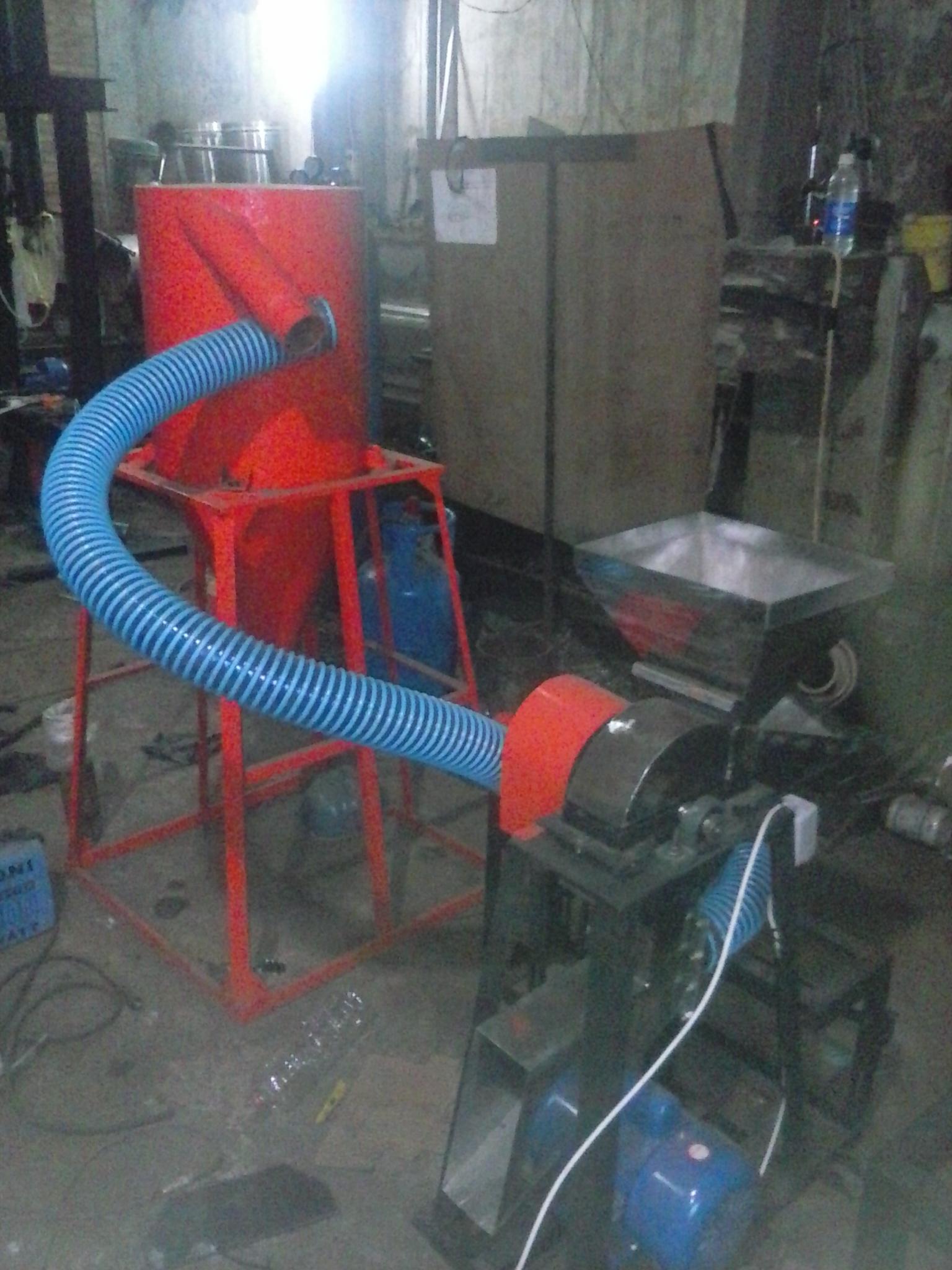 mesin pemecah kulit dan pemisah biji kakao